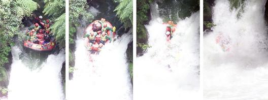 Rafting - den Wasserfall runter...