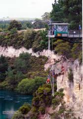 Taupo Bungy - auf dem Weg nach unten