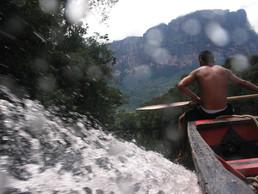 Durch die Stromschnellen des Rio Carrao