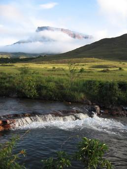 Badewanne und Trinkwasser beim Camp