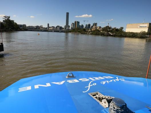 Mit dem Wassertaxi über den Brisbane River
