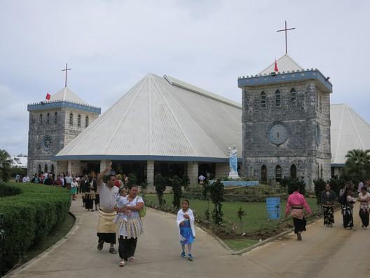 """Alle Tonganer gehen Sonntags in """"ihre"""" Kirche"""