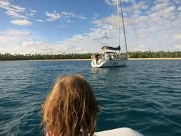 Mit dem Segelboot geht's zur Nachbarinsel Lifuka