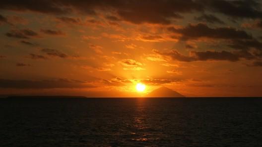 Sonnenuntergang vor dem Vulkan