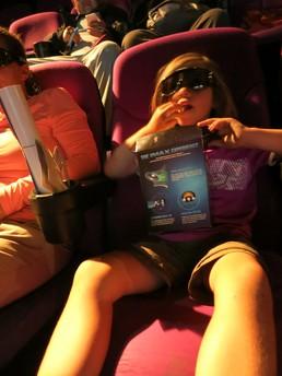 Popcorn, 3D-Brille & ein super bequemer Sessel - ist dann ja fast schon egal was es zu sehen gibt