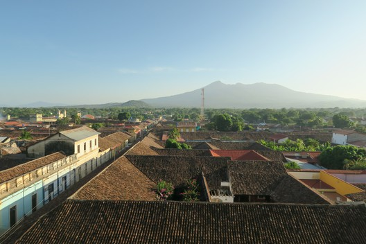 Über den Dächern von Granada - und irgendwo ist immer ein Vulkan